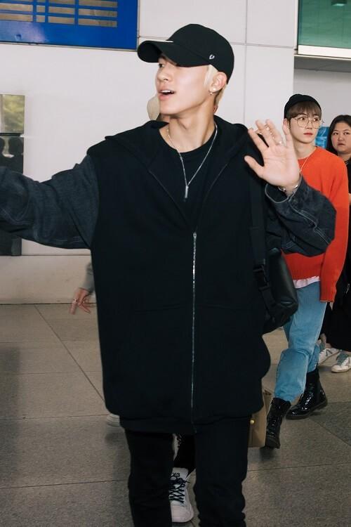 Hwall rời nhóm, The Boyz đã đến thành phố Hồ Chí Minh với 11 thành viên  ảnh 5