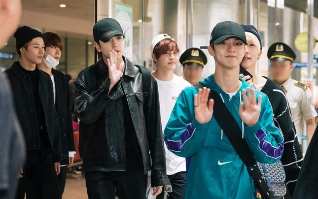 Hwall rời nhóm, The Boyz đã đến thành phố Hồ Chí Minh với 11 thành viên  ảnh 6