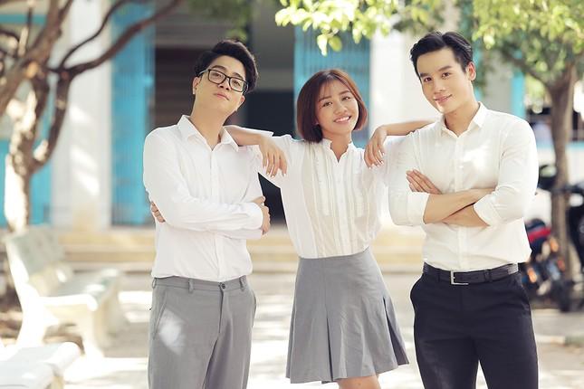 """Văn Mai Hương - Đồng Ánh Quỳnh tạo nên cú """"twist"""" không ngờ trong MV đẫm nước mắt ảnh 7"""