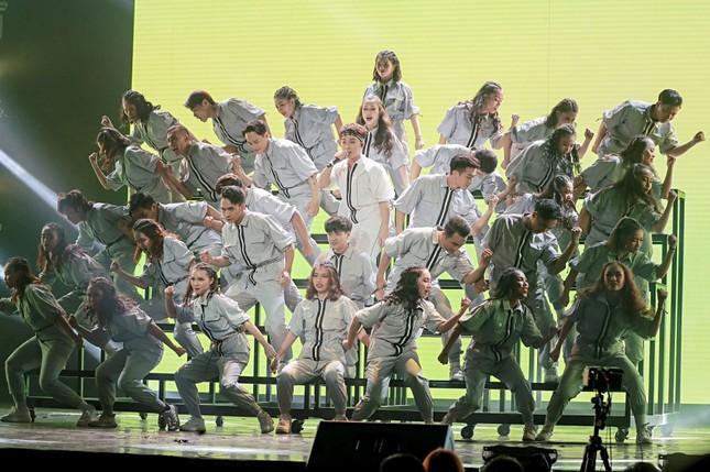 """Trình diễn loạt hit tại """"V Heartbeat Live"""", Trúc Nhân cũng có dàn fanchant """"xịn xò"""" như ai ảnh 3"""