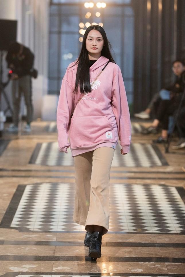 Show diễn thời trang hoành tráng tại Sa Pa của Lê Thanh Hòa đã sẵn sàng bùng nổ ảnh 7