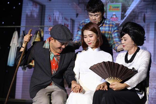 Hoài Linh giả nữ đại gia Việt kiều, lập kế hiểm giúp Chí Tài cưa gái ảnh 4