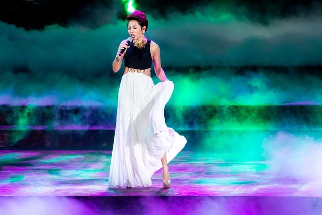 Hà Anh Tuấn đã dành cho Hà Nội một sự xuất hiện đặc biệt của Hà Trần.