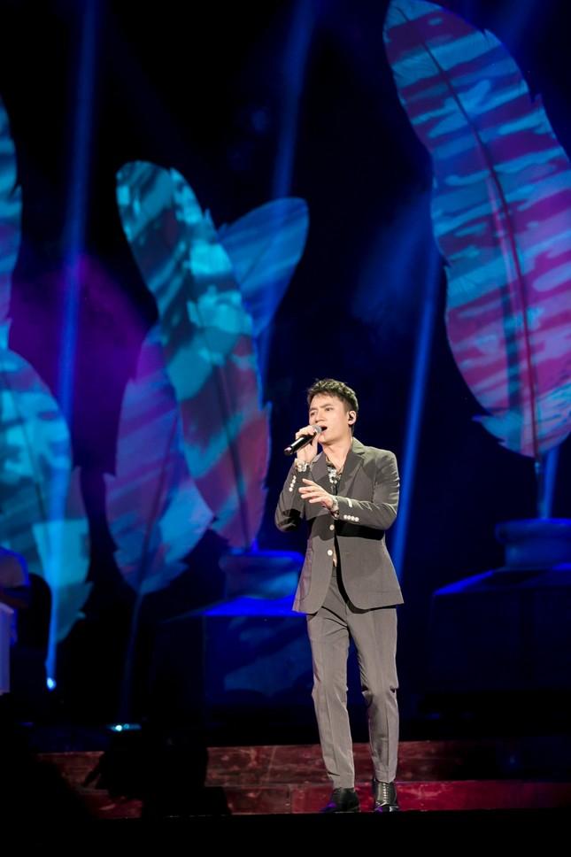 Đêm diễn còn có sự góp mặt của Phan Mạnh Quỳnh.