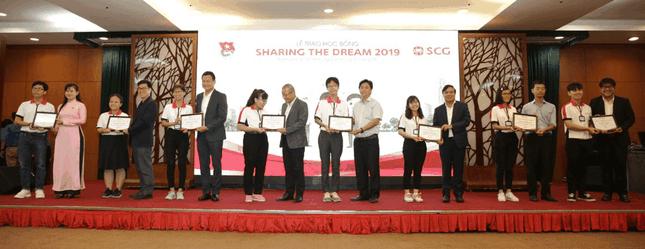 Học bổng Sharing The Dream chắp cánh ước mơ, hỗ trợ sinh viên suốt thời gian Đại học ảnh 1