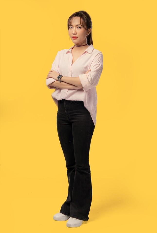 Cùng lúc ra mắt 4 sản phẩm online, Thu Trang - Tiến Luật mời Sam - Ngô Kiến Huy tham gia ảnh 2