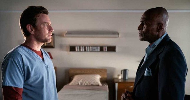"""""""Doctor Sleep"""" chắc chắn là bộ phim khiến fan phim kinh dị cũng phải hoảng sợ ảnh 4"""