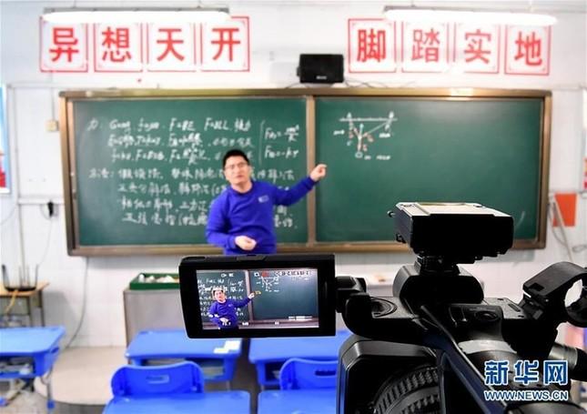 Trung Quốc giữa dịch corona: Học hành, mai mối, kết hôn đều online ảnh 2