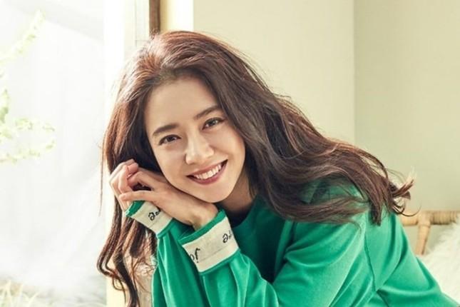 Fan không thể nhịn cười xen ngưỡng mộ trước màn hình điện thoại của Song Ji Hyo ảnh 3