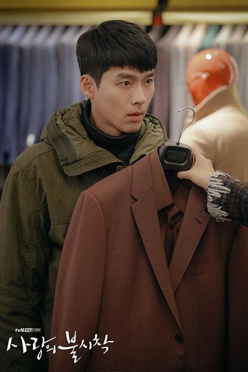 Chỉ là đi thử vest mà Hyun Bin cũng gây thương nhớ vì đẹp hơn cả mẫu ảnh 1