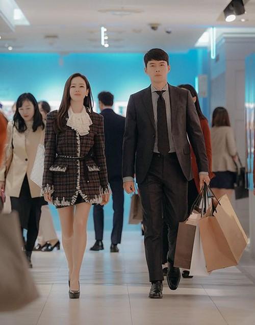 Chỉ là đi thử vest mà Hyun Bin cũng gây thương nhớ vì đẹp hơn cả mẫu ảnh 3