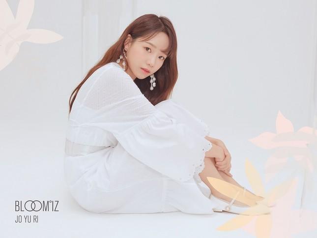 """Những nàng tiên IZ*ONE tung 2 bộ ảnh """"nhá hàng"""" comeback sau thời gian dài vắng bóng ảnh 2"""
