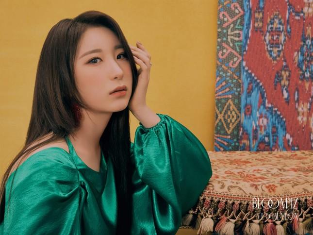 """Những nàng tiên IZ*ONE tung 2 bộ ảnh """"nhá hàng"""" comeback sau thời gian dài vắng bóng ảnh 14"""