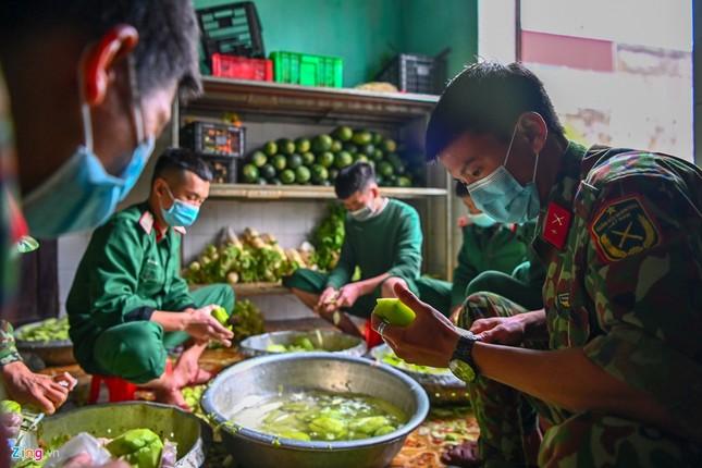 Cuộc sống trong thời gian cách ly của những người về từ Trung Quốc ảnh 9