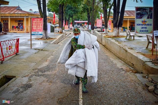 Cuộc sống trong thời gian cách ly của những người về từ Trung Quốc ảnh 11