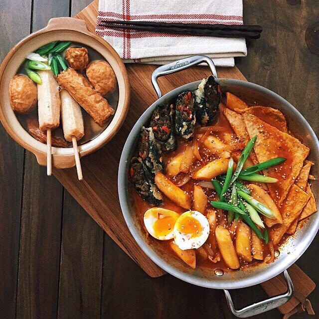 Trời lạnh mà muốn giải ngán sau Tết thì đi ăn ngay lẩu tokbokki cay nóng xứ Hàn này ảnh 5