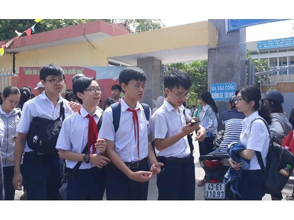 Học sinh Đà Nẵng học trực tuyến ở nhà trong thời gian nghỉ phòng dịch corona ảnh 1
