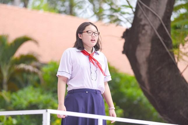 """Jun Phạm, Khả Ngân, Gil Lê cùng học sinh """"đại náo"""" chương trình """"Thiếu niên nói"""" ảnh 1"""