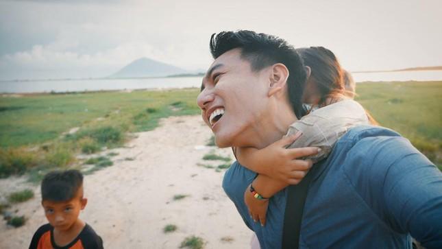 Khoai Lang Thang: Hạnh phúc là được làm điều mình thích và chăm lo cho người mình yêu thương  ảnh 4