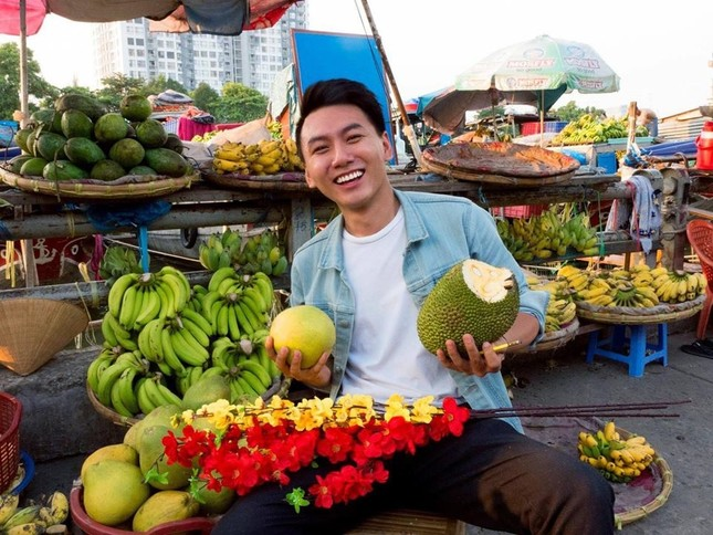 Khoai Lang Thang: Hạnh phúc là được làm điều mình thích và chăm lo cho người mình yêu thương  ảnh 1