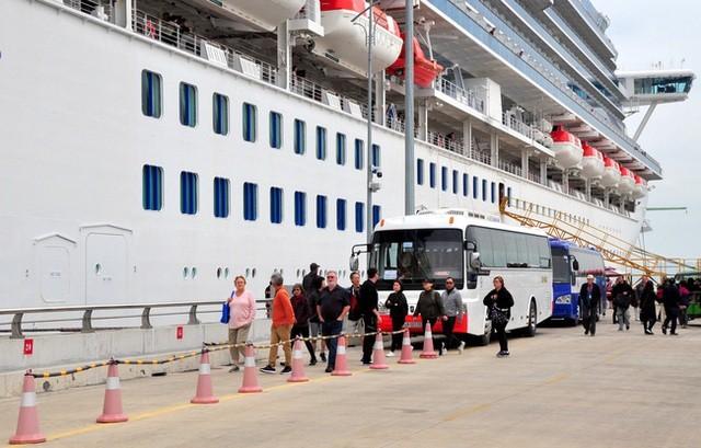Du thuyền Nhật có 61 người nhiễm corona từng cập bến tại Quảng Ninh, Huế ảnh 3