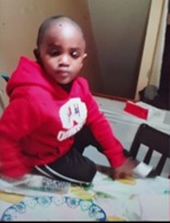 Ethan Adeyemi – cậu bé tự bỏ nhà đi.