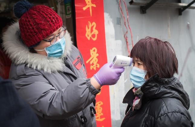 Vũ Hán rà soát từng nhà, quyết không bỏ sót người nhiễm virus corona ảnh 1