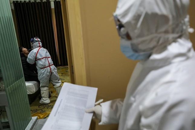 Vũ Hán rà soát từng nhà, quyết không bỏ sót người nhiễm virus corona ảnh 9