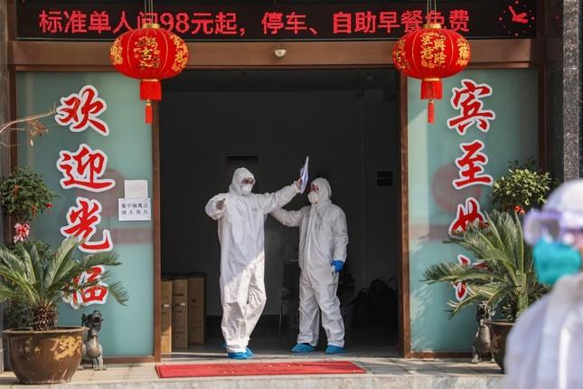 Vũ Hán rà soát từng nhà, quyết không bỏ sót người nhiễm virus corona ảnh 10