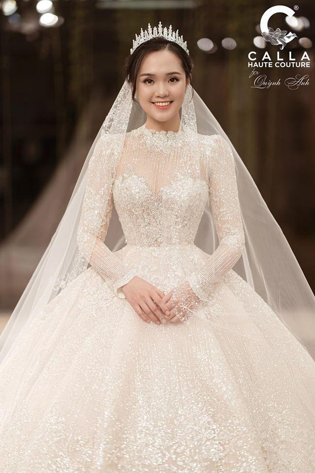 Bóc giá trang phục cưới toàn đồ hiệu xịn xò của Duy Mạnh - Quỳnh Anh ảnh 3
