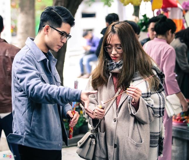 Nhiều năm lẻ bóng, cô gái tới chùa Hà cầu duyên trước ngày Valentine ảnh 5