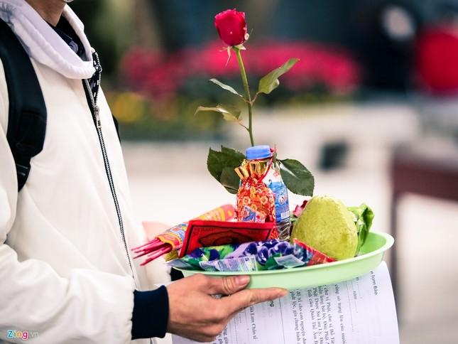 Nhiều năm lẻ bóng, cô gái tới chùa Hà cầu duyên trước ngày Valentine ảnh 9