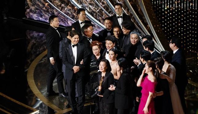 """Sau khi lập kỳ tích tại Oscar 2020, """"Ký Sinh Trùng"""" ra rạp lần hai tại Việt Nam ảnh 1"""