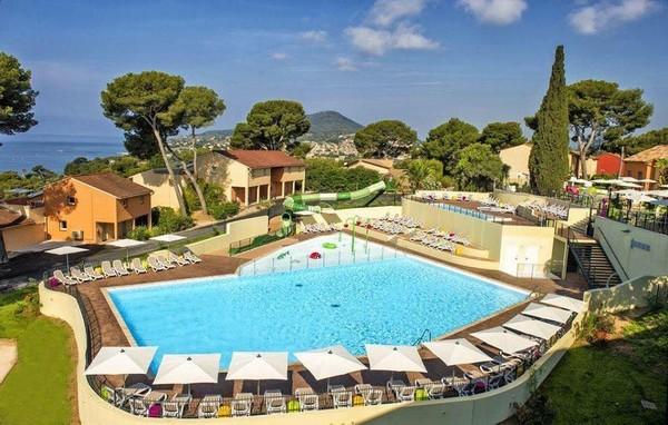 """Khu cách ly dịch corona có bể bơi, quán cafe như """"thiên đường nghỉ dưỡng"""" ở Pháp ảnh 1"""