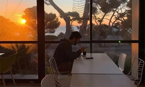 """Khu cách ly dịch corona có bể bơi, quán cafe như """"thiên đường nghỉ dưỡng"""" ở Pháp ảnh 5"""
