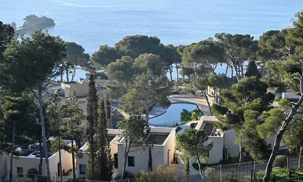 """Khu cách ly dịch corona có bể bơi, quán cafe như """"thiên đường nghỉ dưỡng"""" ở Pháp ảnh 7"""