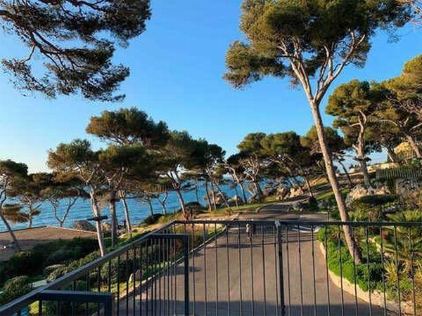 """Khu cách ly dịch corona có bể bơi, quán cafe như """"thiên đường nghỉ dưỡng"""" ở Pháp ảnh 8"""