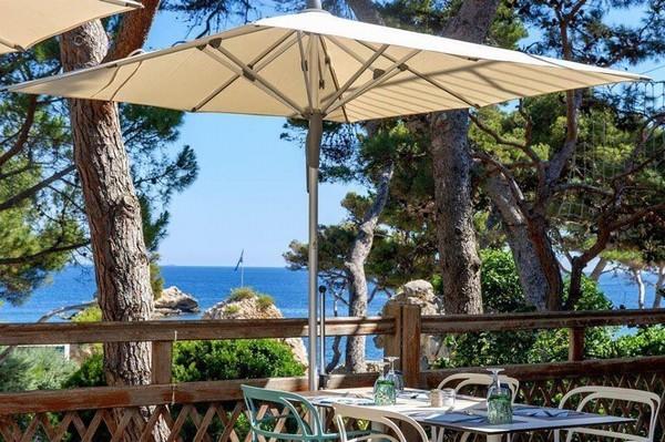 """Khu cách ly dịch corona có bể bơi, quán cafe như """"thiên đường nghỉ dưỡng"""" ở Pháp ảnh 10"""