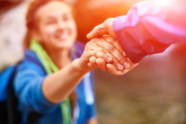 """Đừng đợi đến """"một ngày nào đó"""" để giúp đỡ người khác, ngày đó chính là hôm nay ảnh 3"""