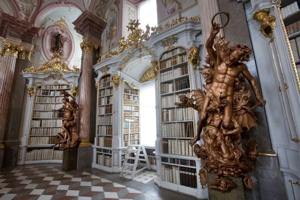 Mời bạn chiêm ngưỡng 6 toà thư viện đẹp và hiện đại nhất thế giới! ảnh 12