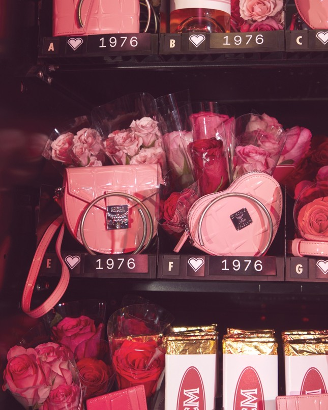 """Các cô nàng """"bánh bèo"""" sẽ """"xiêu lòng"""" với bộ sưu tập MCM đặc biệt dành cho mùa Valentine 2020 ảnh 4"""