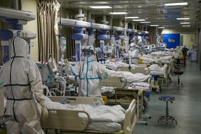 Tâm dịch Vũ Hán - bà nội nhiễm virus corona và giờ cả nhà đều lây bệnh ảnh 4