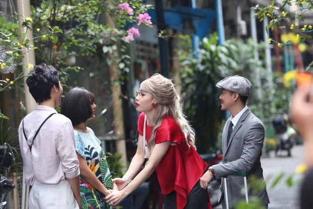 """Bị Quang Trung ép lấy chồng, Nam Thư lên kế hoạch cặp kè """"trai cong"""" ảnh 3"""