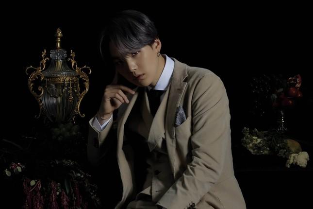 """BTS lại khiến fan chao đảo với bộ ảnh concept ver 3 của album """"MOTS: 7"""" ảnh 4"""
