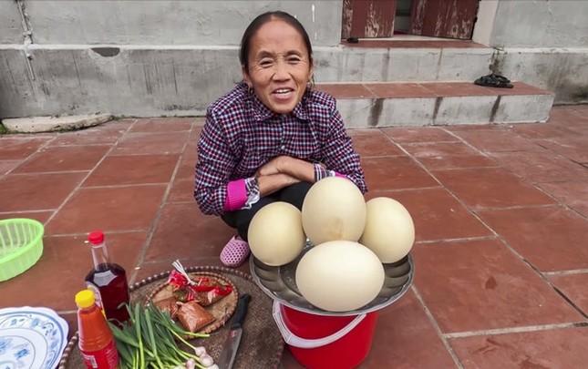 Làm trứng đà điểu khổng lồ, Bà Tân bị dân mạng chỉ ra lỗi có thể khiến người ăn ngộ độc ảnh 2