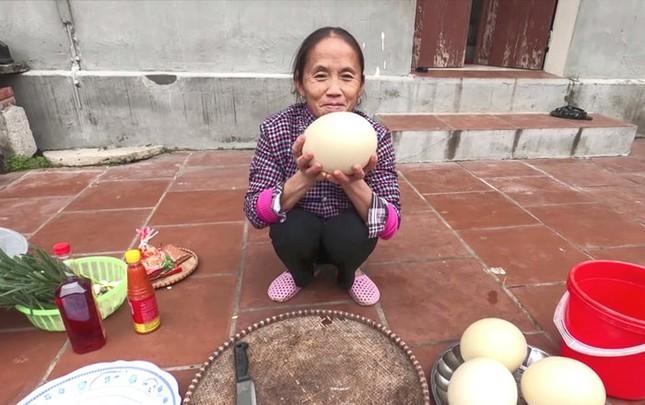 Làm trứng đà điểu khổng lồ, Bà Tân bị dân mạng chỉ ra lỗi có thể khiến người ăn ngộ độc ảnh 1