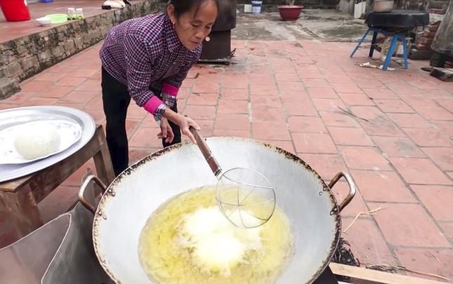 Làm trứng đà điểu khổng lồ, Bà Tân bị dân mạng chỉ ra lỗi có thể khiến người ăn ngộ độc ảnh 3