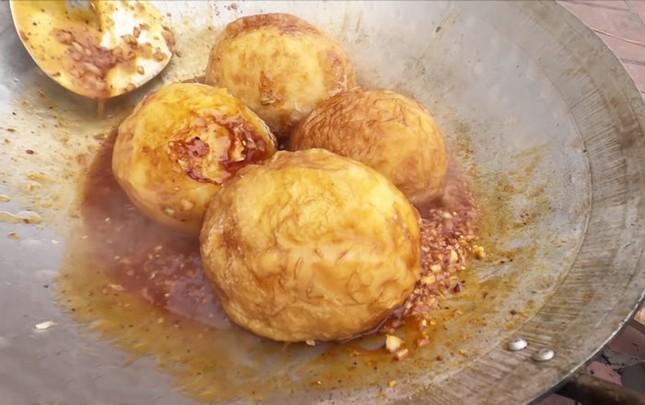 Làm trứng đà điểu khổng lồ, Bà Tân bị dân mạng chỉ ra lỗi có thể khiến người ăn ngộ độc ảnh 4
