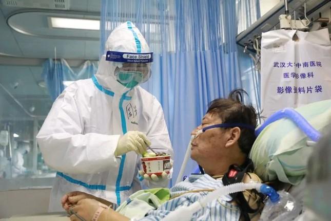 Hồ Bắc thêm 242 người chết vì virus, số ca nhiễm mới tăng gần 10 lần ảnh 2