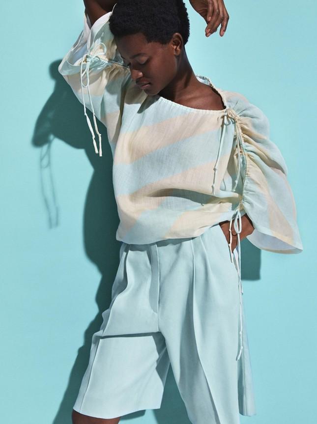 H&M chính thức ra mắt BST Xuân Hè 2020 với phong cách màu sắc siêu rực rỡ  ảnh 4